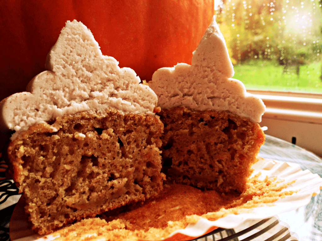Halloween Cupcakes - Pumpkin & Cinnamon flavour