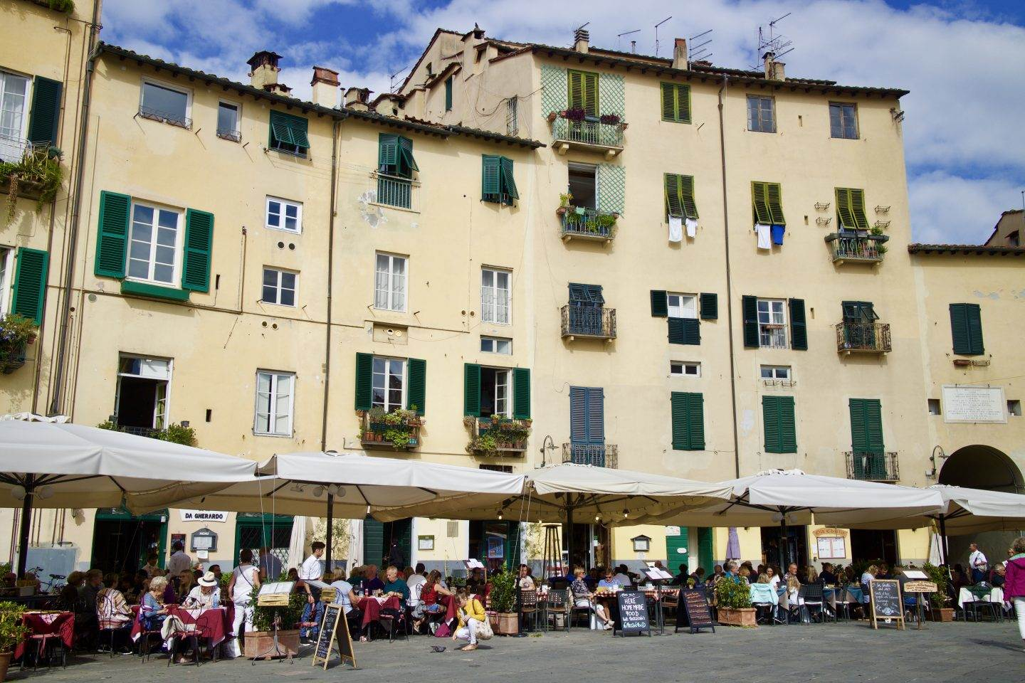 A Day in Lucca & Dinner at Villa Cerine